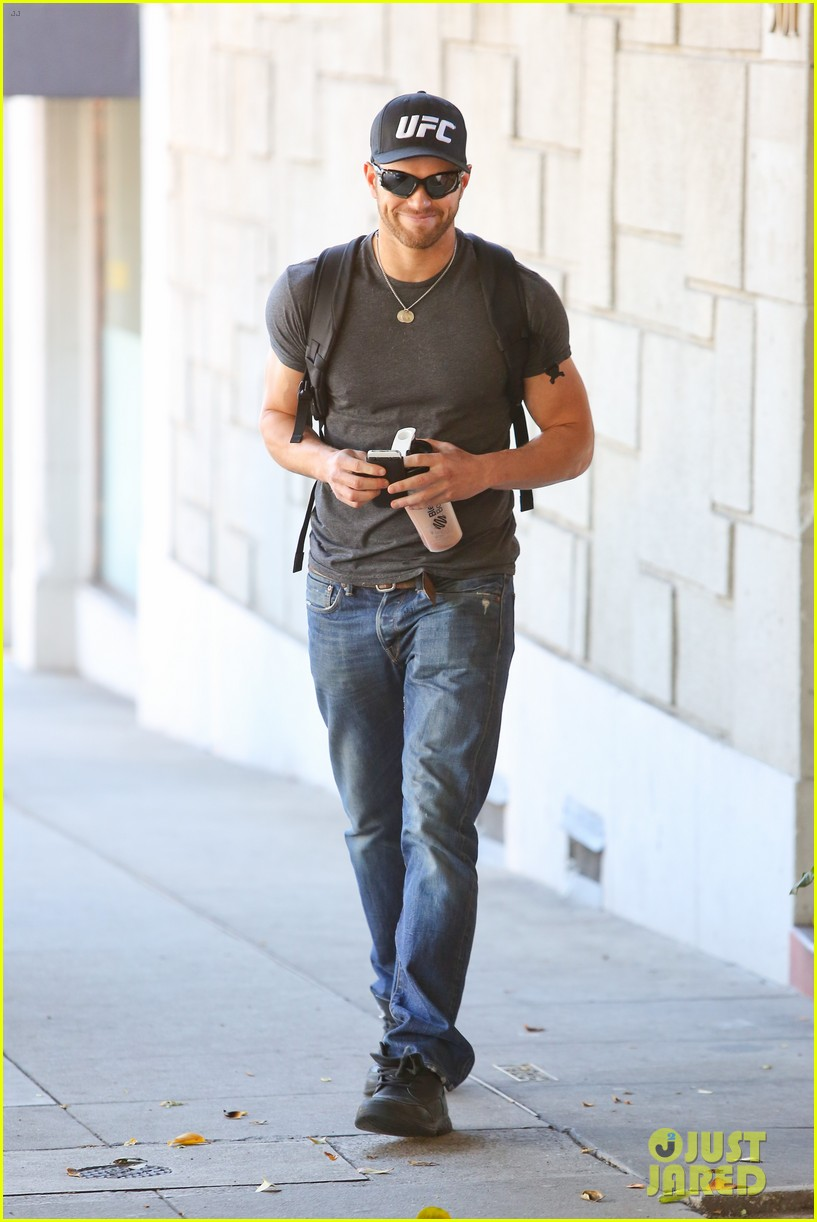 kellan lutz had one week to prep for legend of hercules 083032437