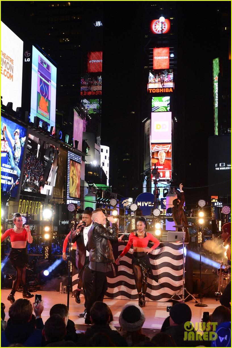 macklemore ryan lewis new years eve 2014 performance watch 123020943