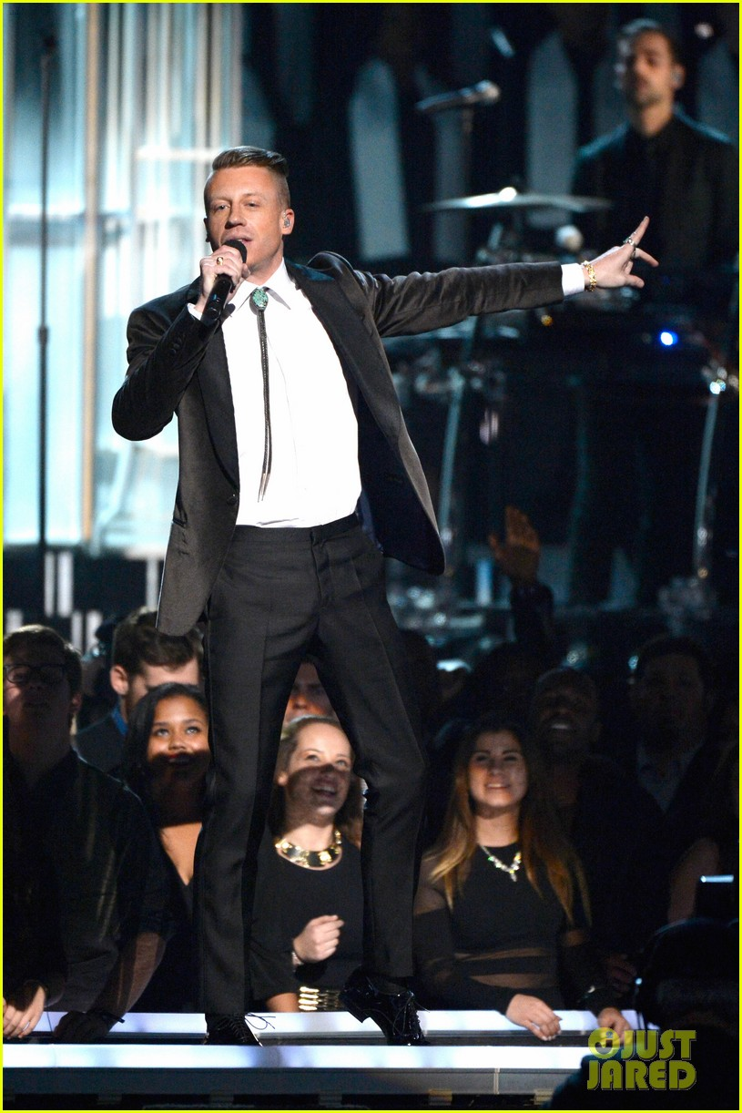 macklemore ryan lewis same love at grammys 2014 video 12