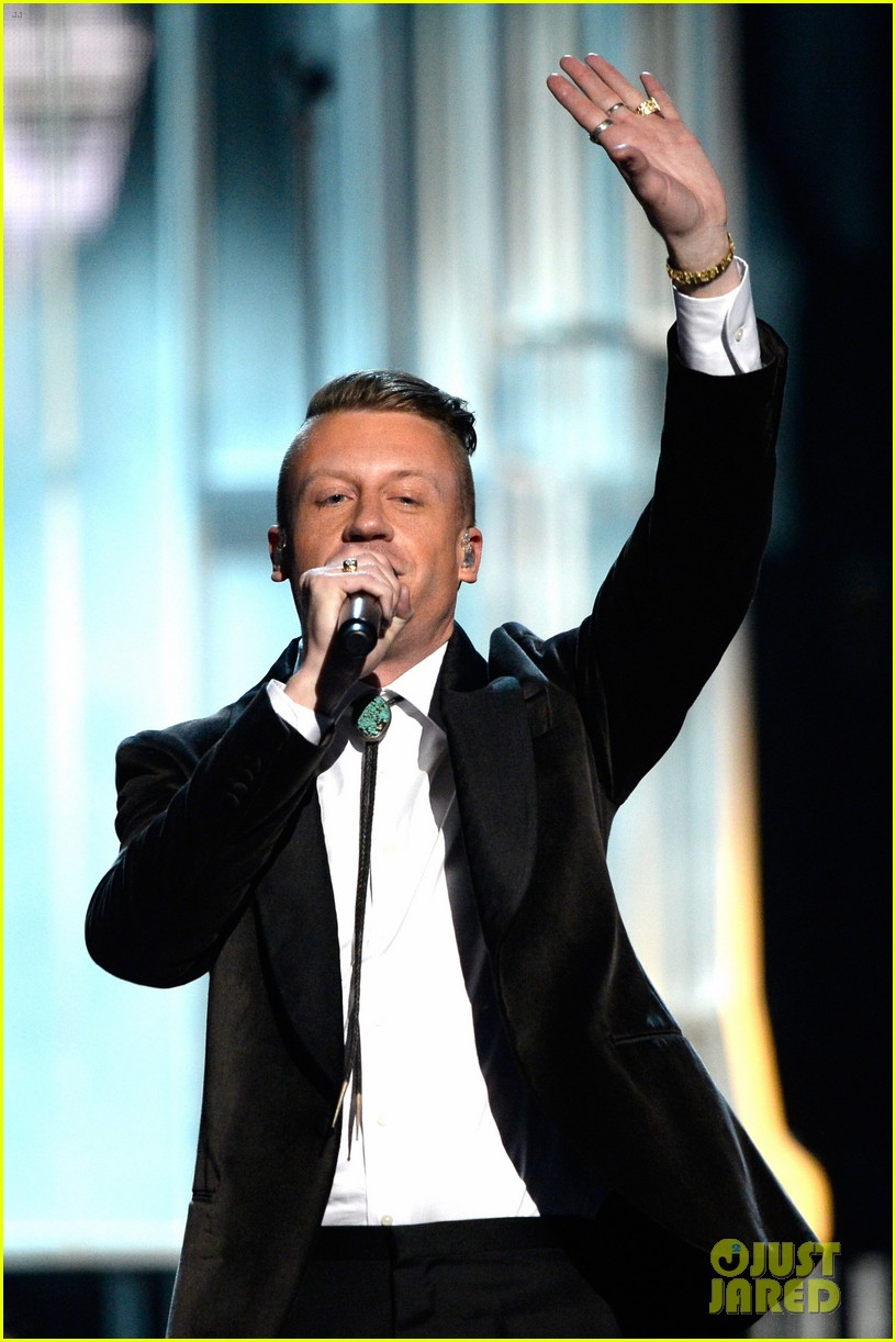 macklemore ryan lewis same love at grammys 2014 video 143041589