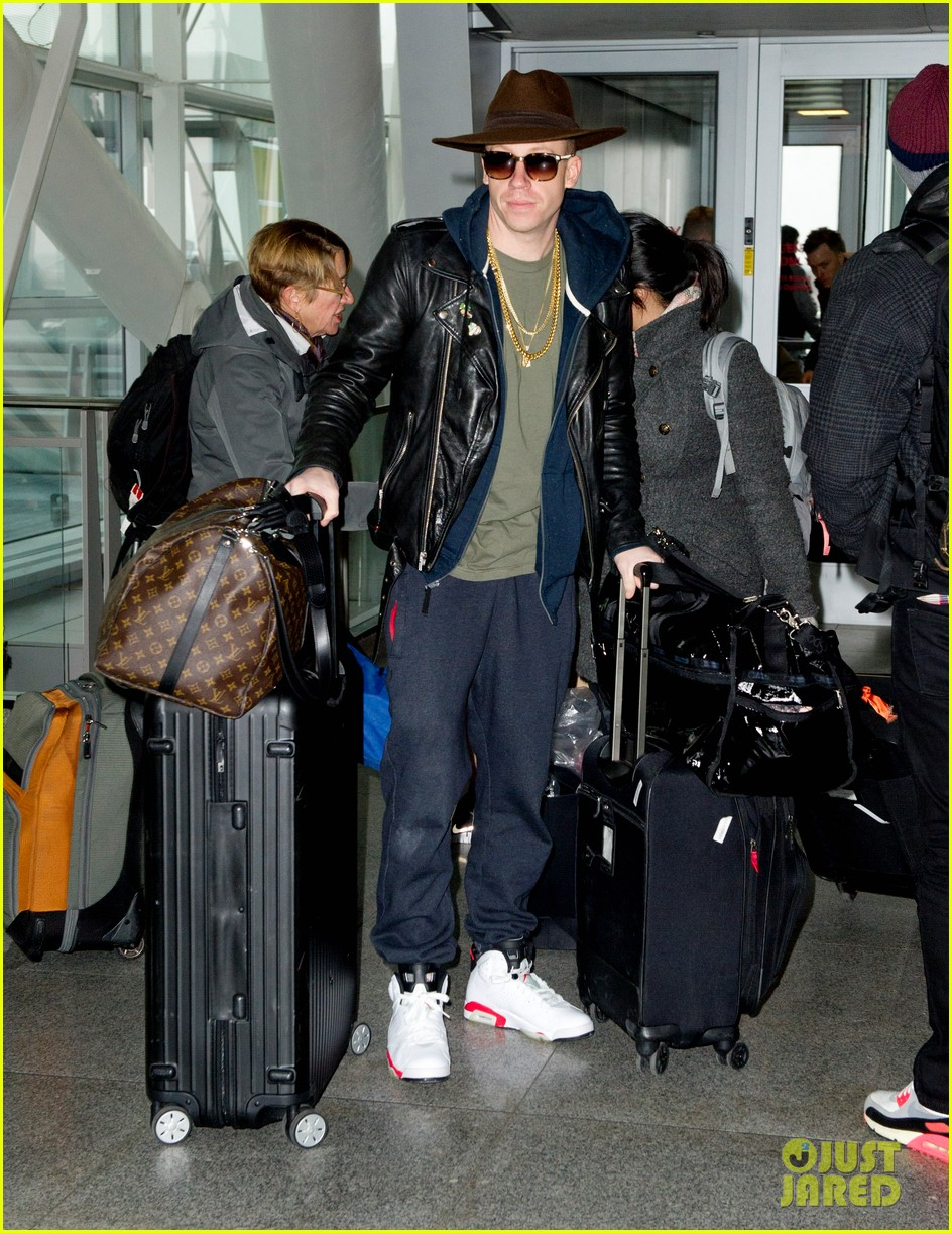 macklemore catches flight before winter storm hercules arrives 013022011