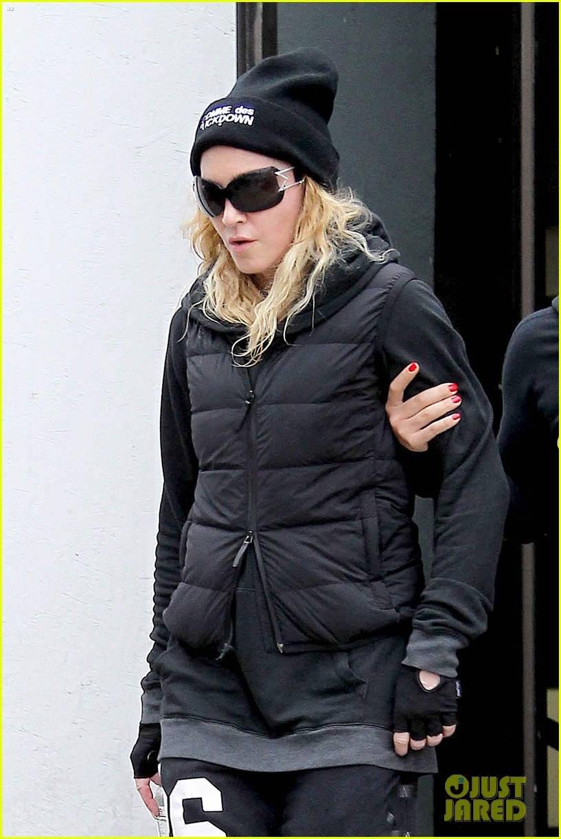 madonna will introduce pussy riot at brooklyn amnesty benefit 043044705