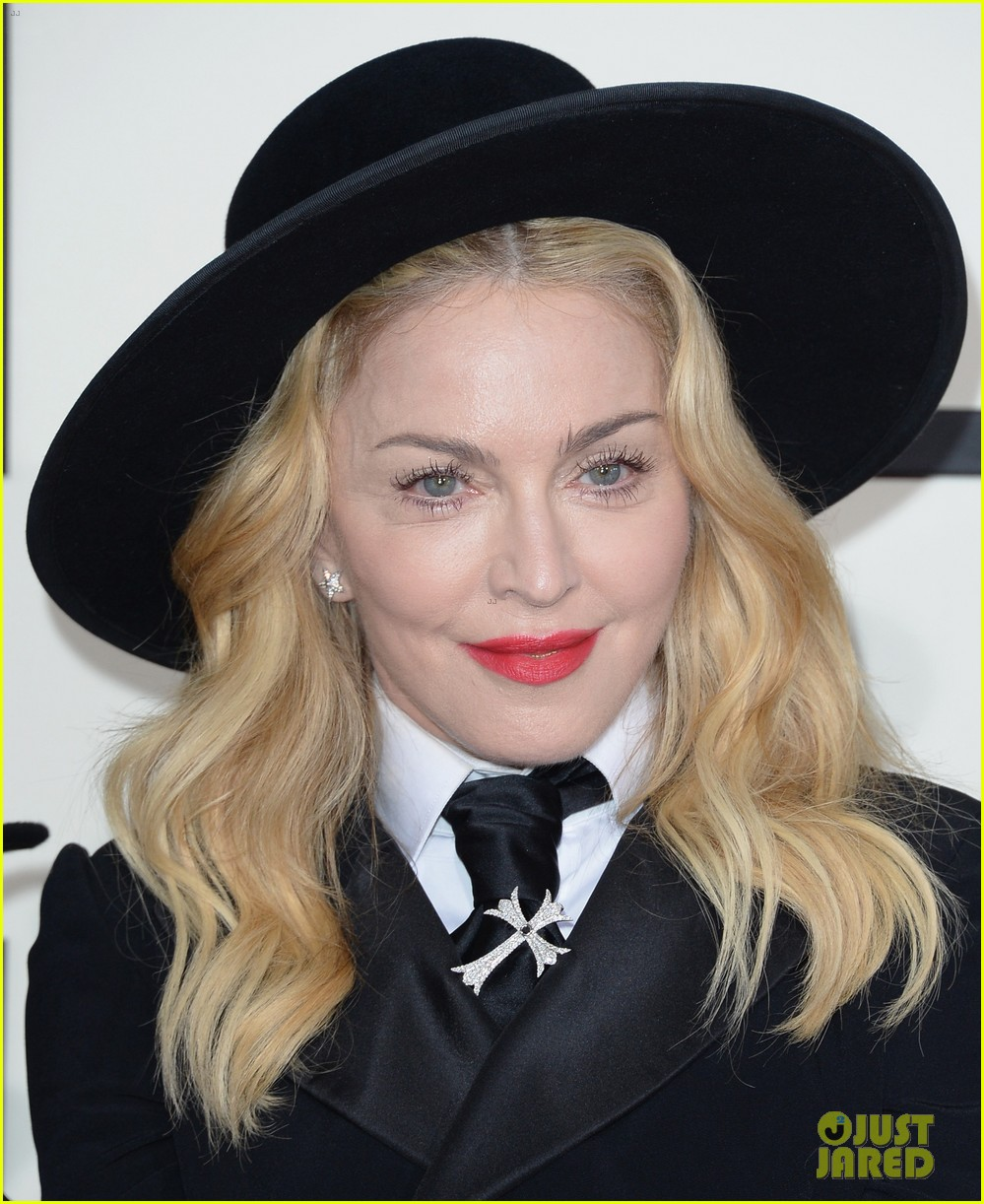 madonna grammys 2014 red carpet with son david 023041010