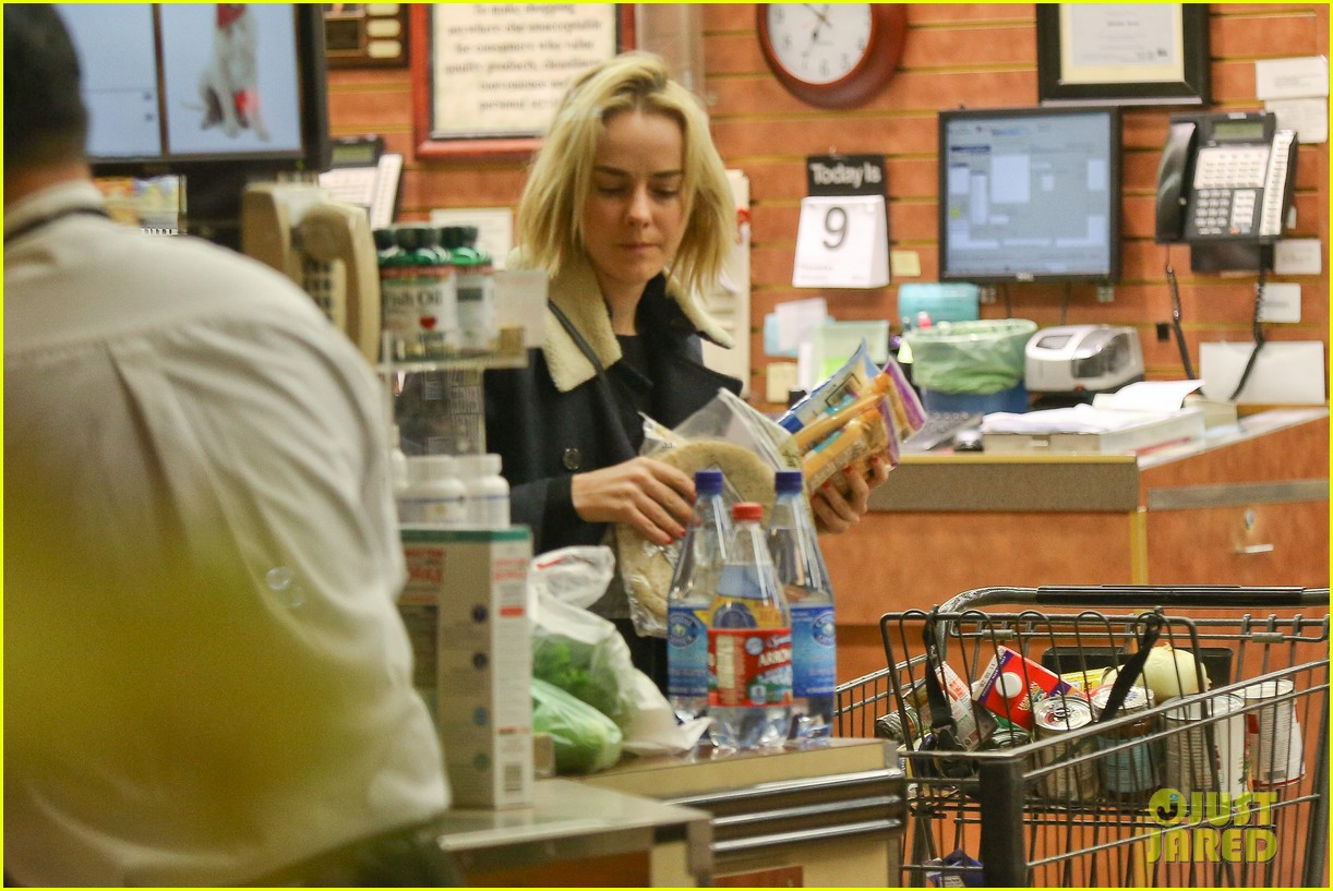 jena malone so excited to share the wait with you 063027066