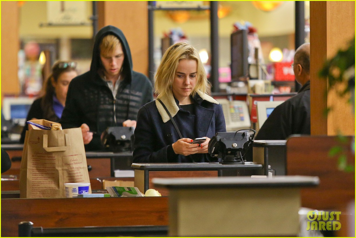 jena malone so excited to share the wait with you 263027086