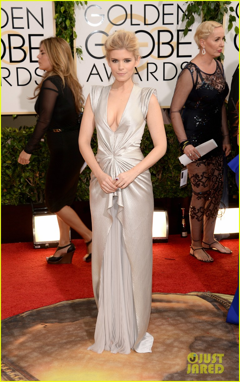 kate mara golden globes 2014 red carpet 013029356