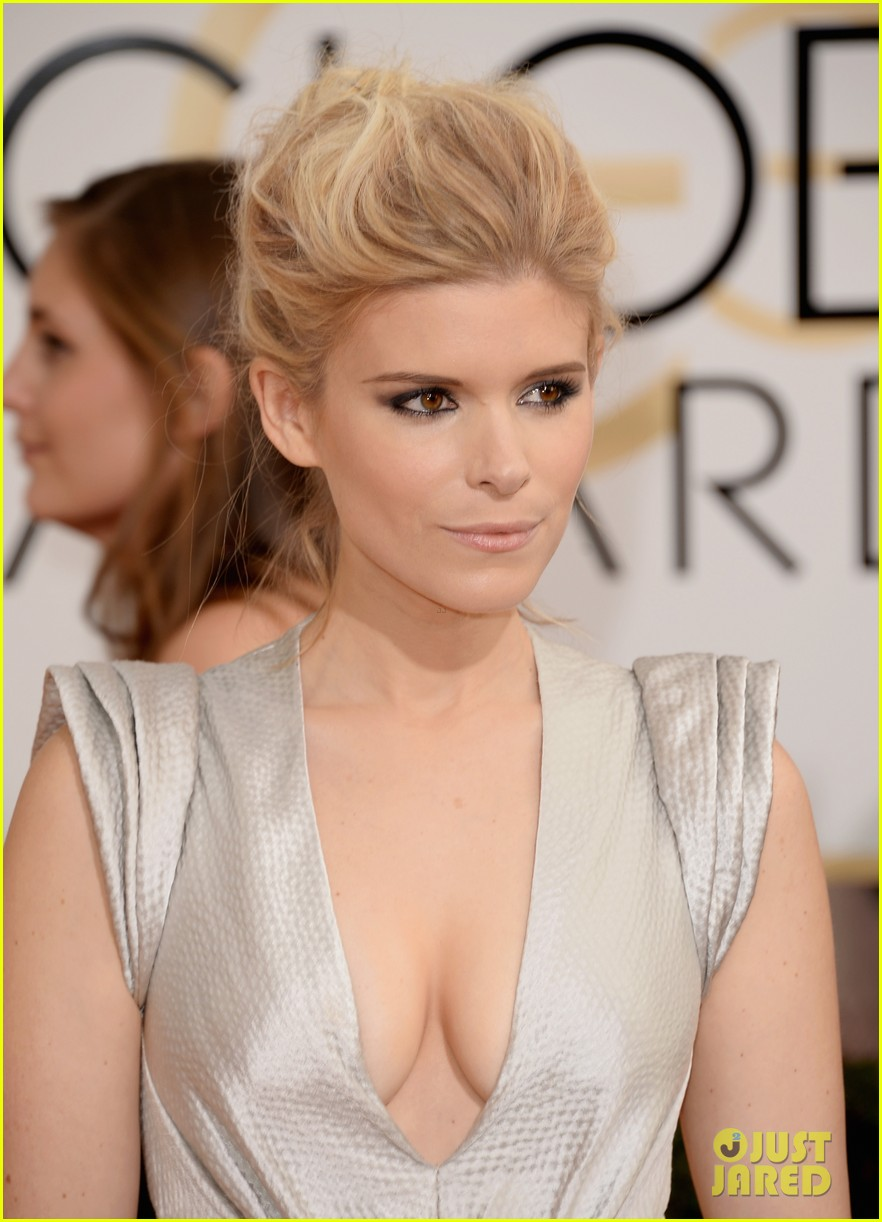 kate mara golden globes 2014 red carpet 023029357
