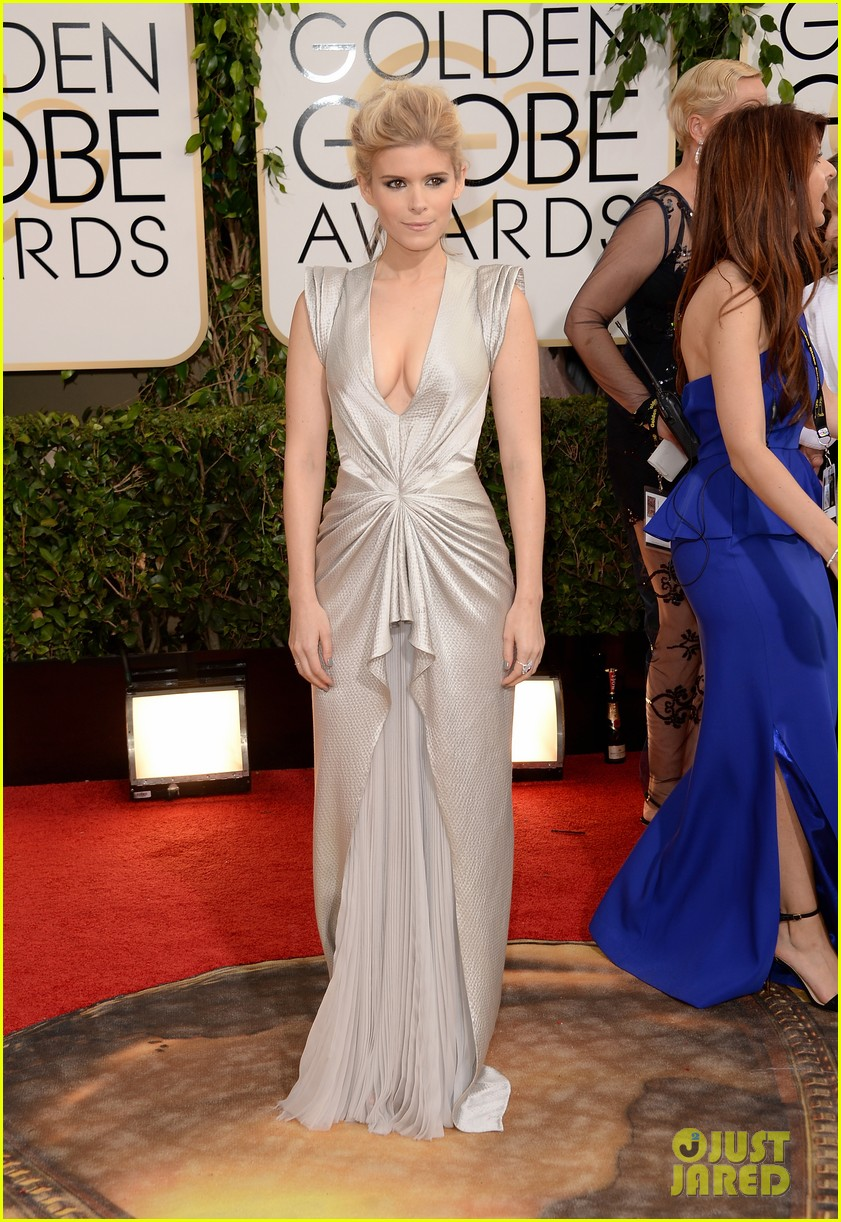 kate mara golden globes 2014 red carpet 053029360