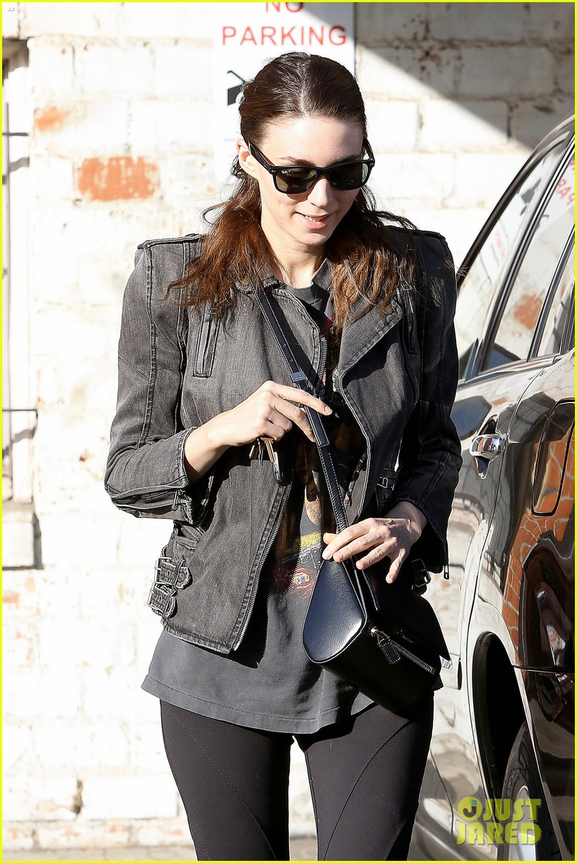 rooney mara steps out after engagement rumors surface 143040648