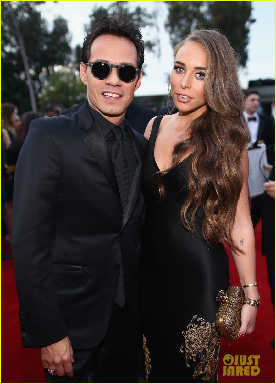 marc anthony chloe green grammys 2014 red carpet 023041276