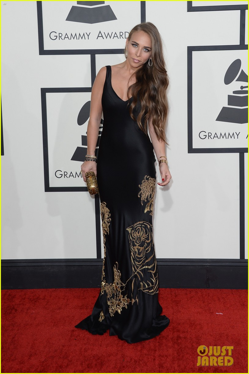 marc anthony chloe green grammys 2014 red carpet 033041277