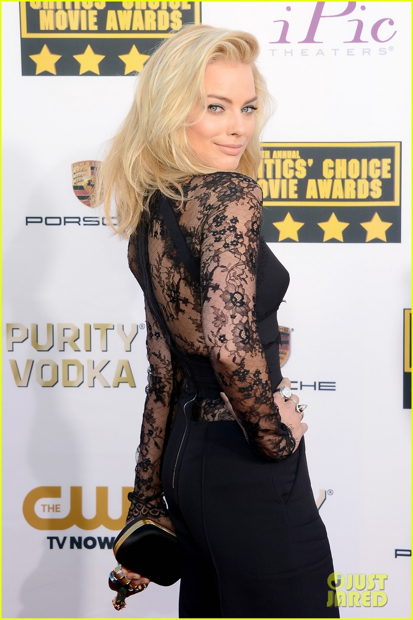 margot robbie critics choice movie awards red carpet 2014 033032875