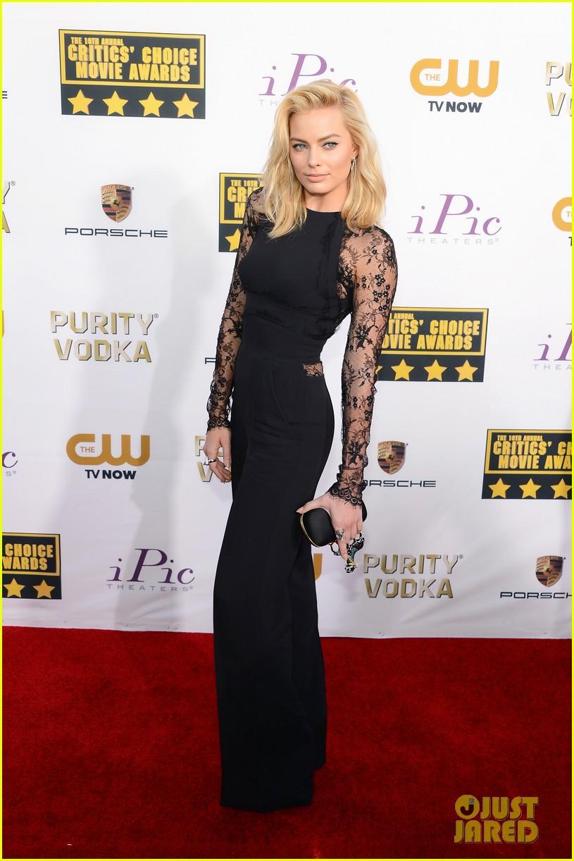 margot robbie critics choice movie awards red carpet 2014 043032876