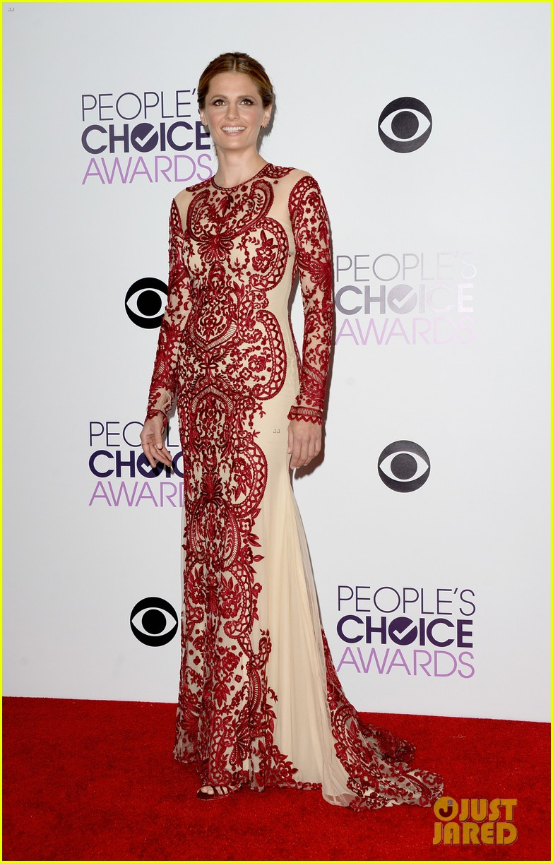 julianna margulies stana katic peoples choice awards 2014 013025849