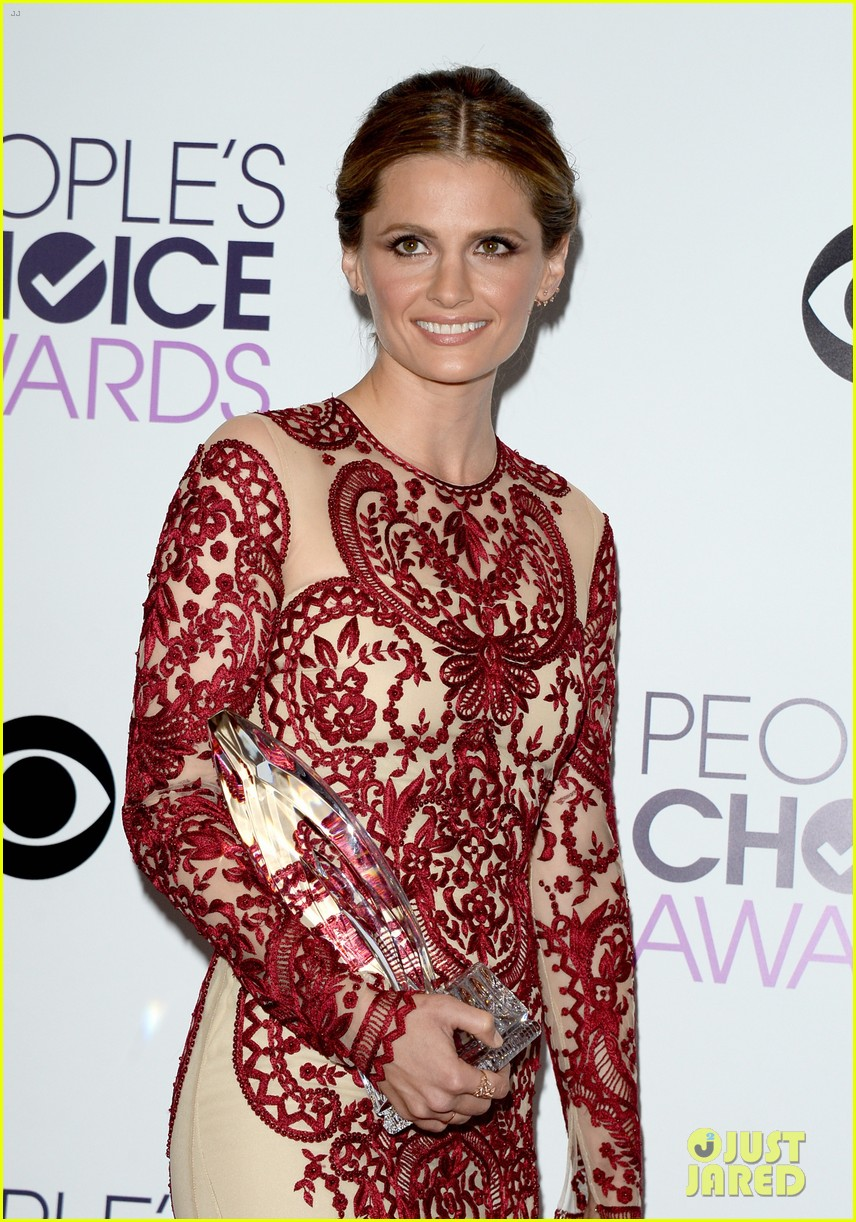 julianna margulies stana katic peoples choice awards 2014 143025862