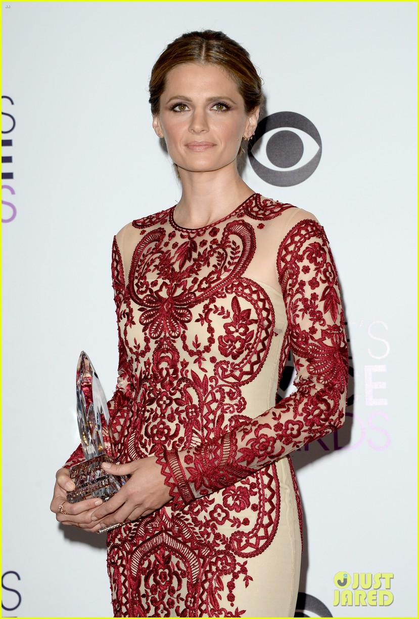 julianna margulies stana katic peoples choice awards 2014 153025863