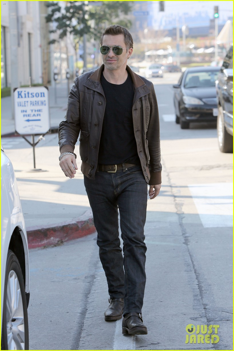 olivier martinez new years day with mother rosemarie 083021401
