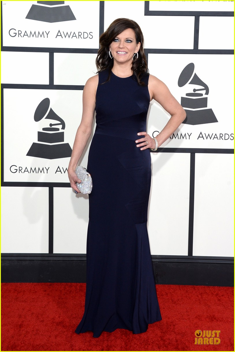 martina mcbride cyndi lauper grammys 2014 red carpet 013041533