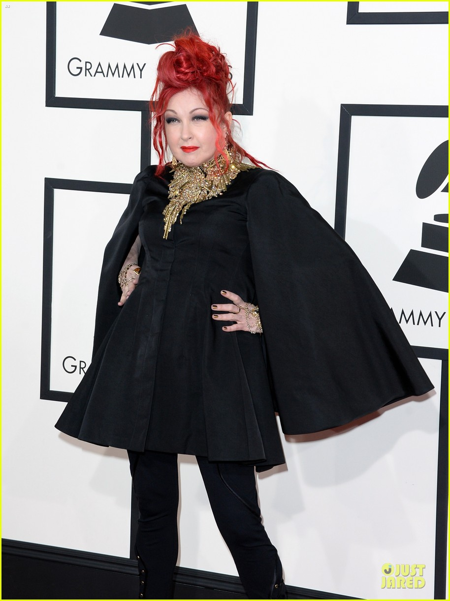 martina mcbride cyndi lauper grammys 2014 red carpet 073041539