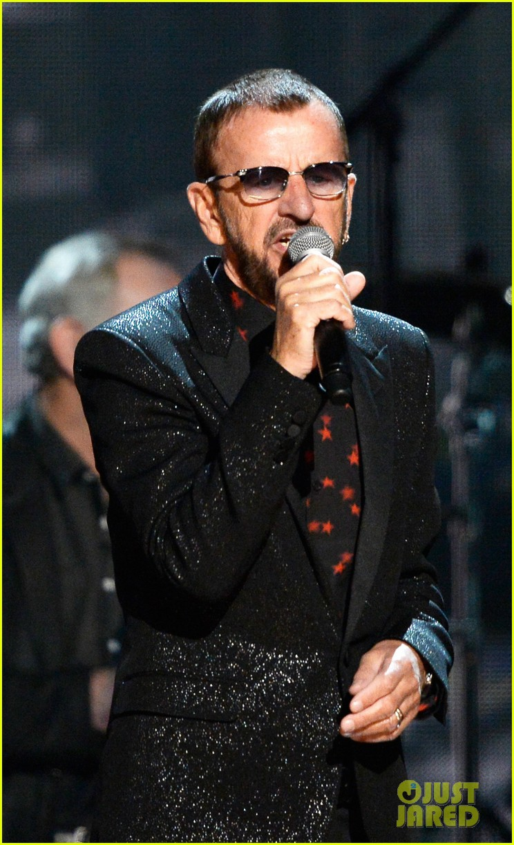 paul mccartney ringo starr reunite at grammys 2014 video 033041477
