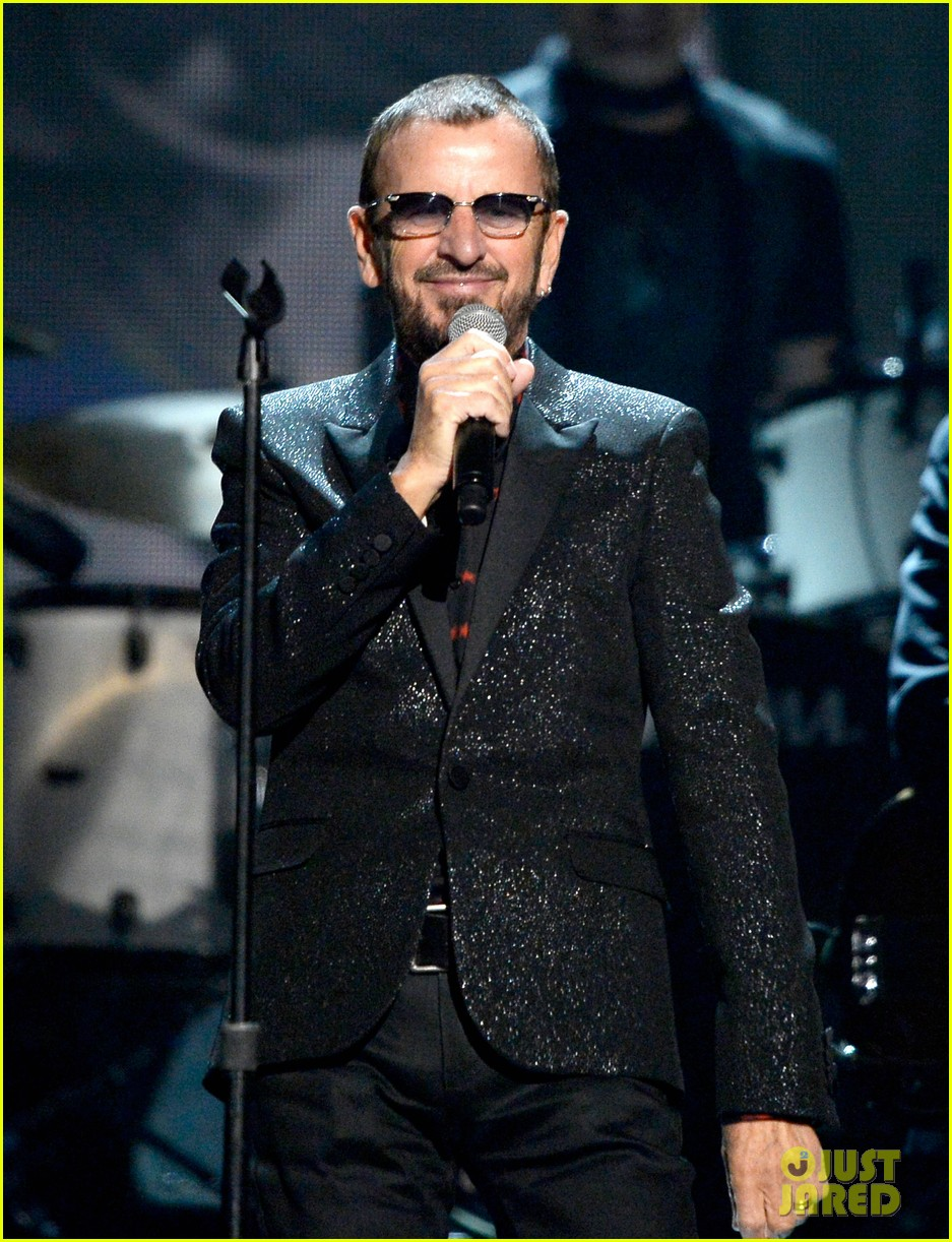 paul mccartney ringo starr reunite at grammys 2014 video 083041482