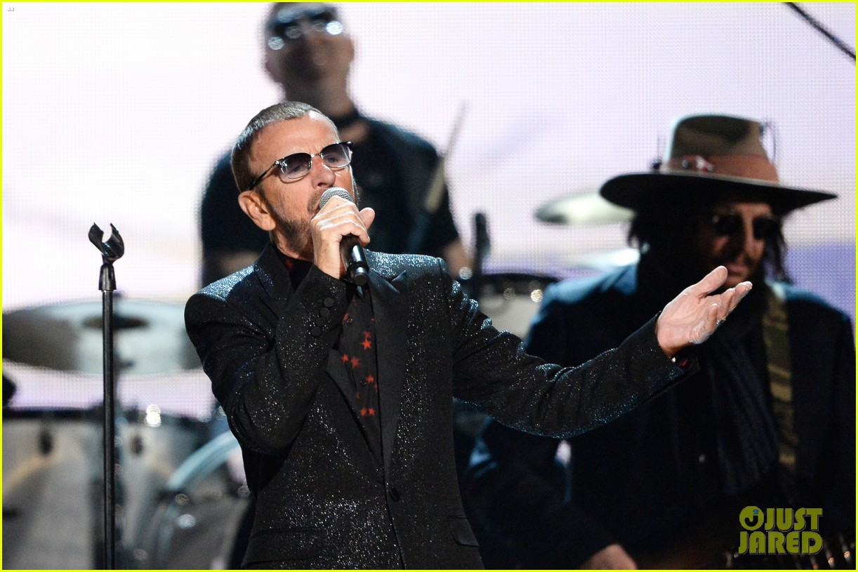 paul mccartney ringo starr reunite at grammys 2014 video 093041483