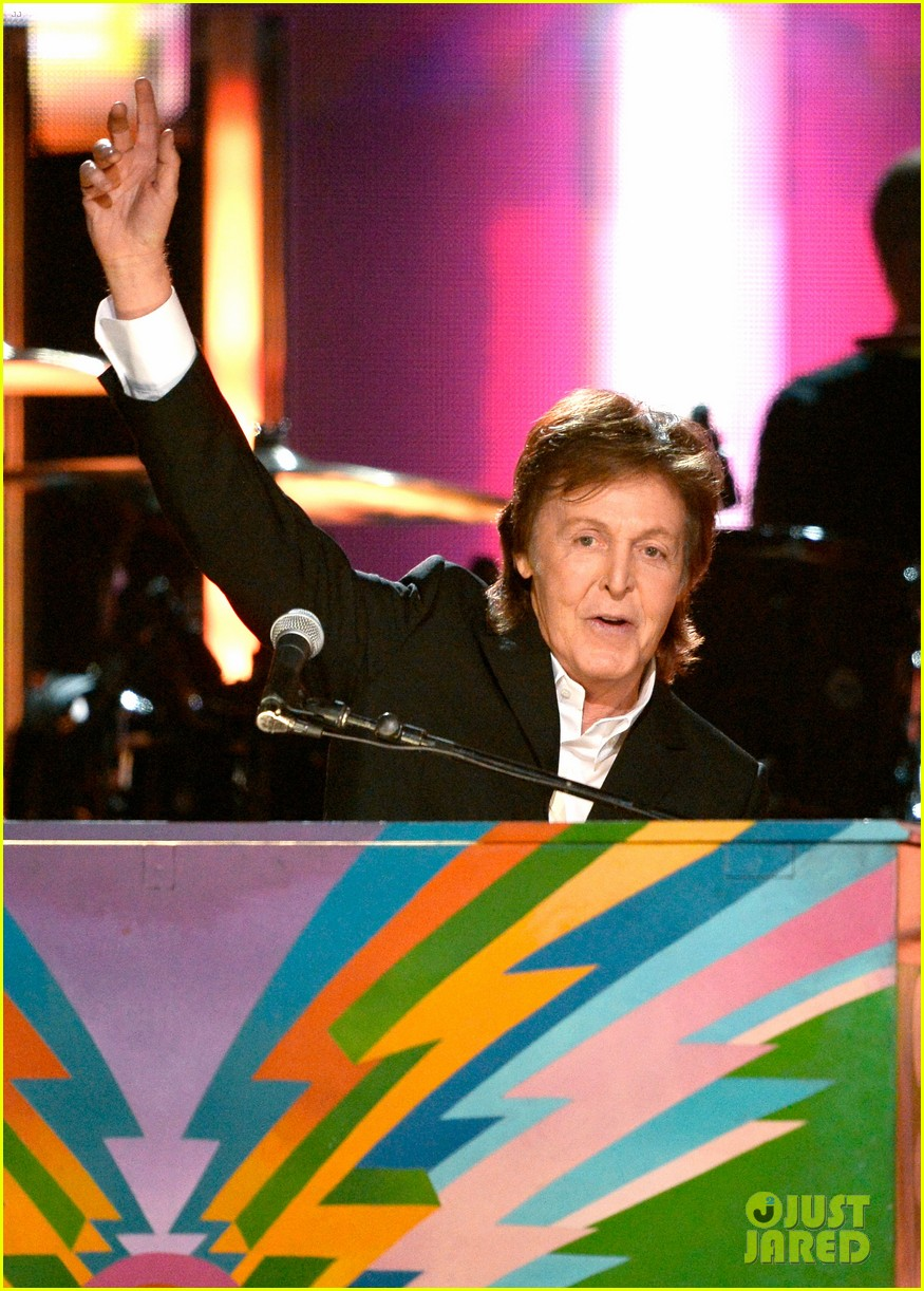 paul mccartney ringo starr reunite at grammys 2014 video 193041493