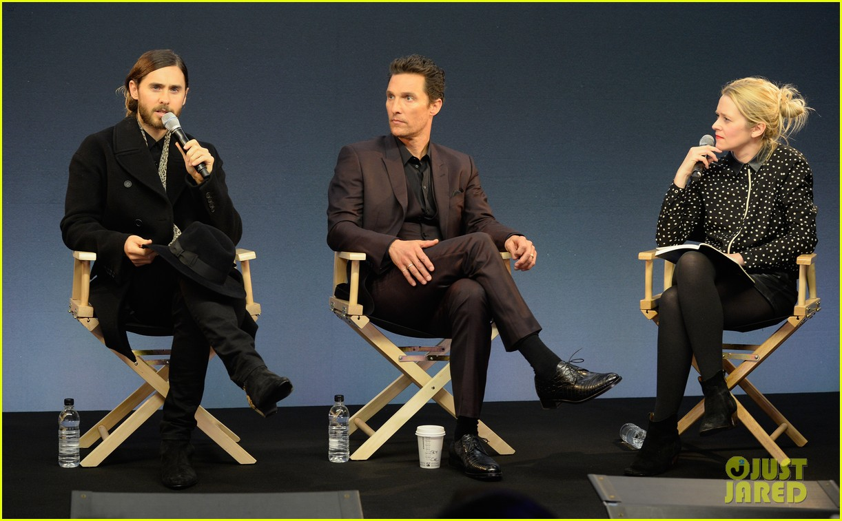 matthew mcconaughey jared leto are the sexiest geniuses at the apple store 013044396
