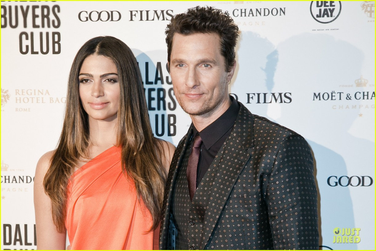 matthew mcconaughey dallas rome premiere with camila alves 10