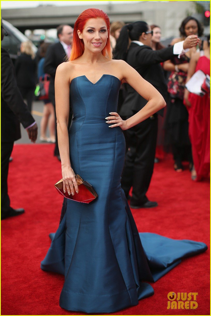 bonnie mckee grammys 2014 red carpet 013040941