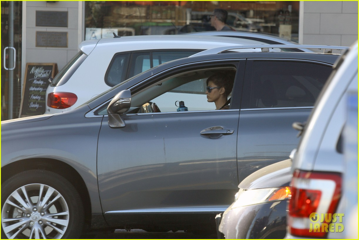 eva mendes buys cartfull of groceries at gelsons 263023468