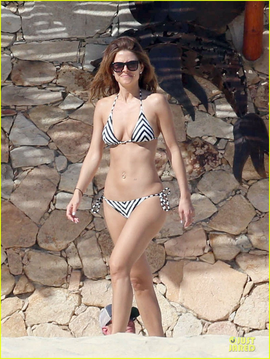 maria menounos black white bikini in cabo san lucas 03