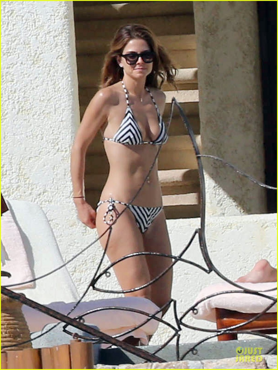 maria menounos black white bikini in cabo san lucas 103022554