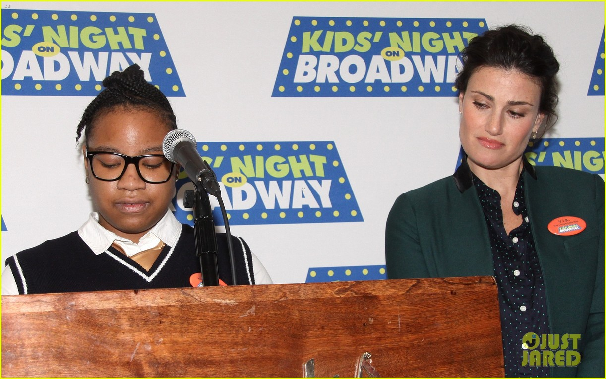 frozens idina menzel sings tomorrow at broadway event 133038717