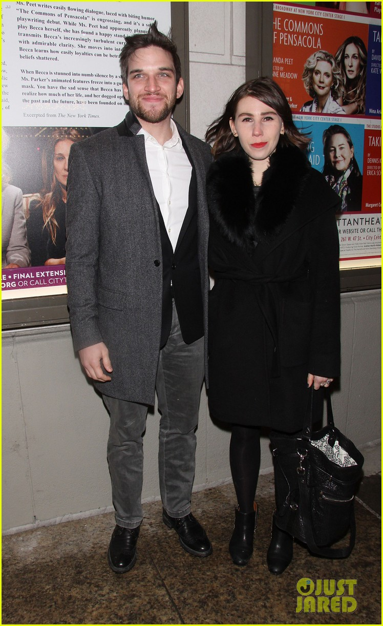 julianna margulies supports debra messings opening night 033039076