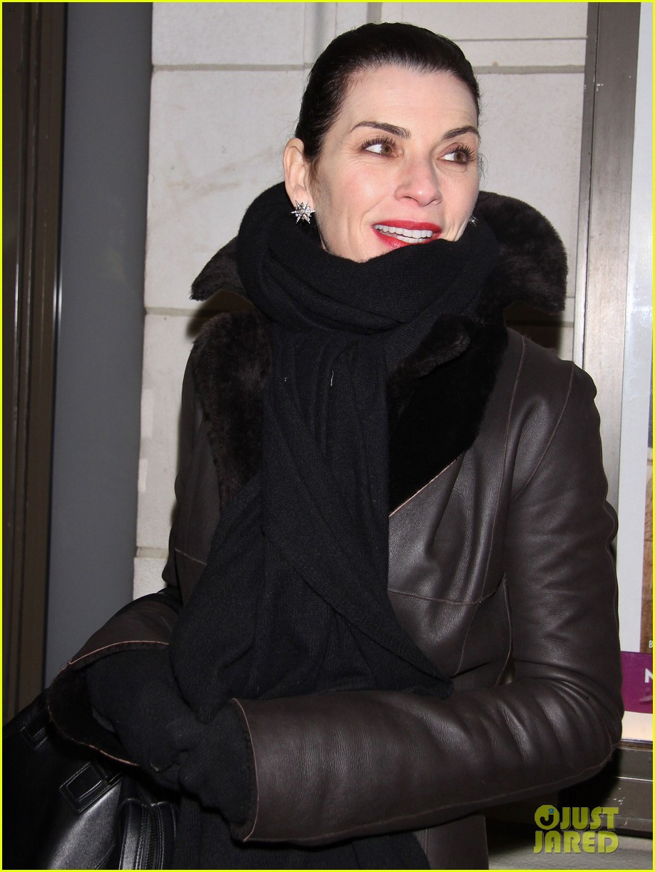julianna margulies supports debra messings opening night 16