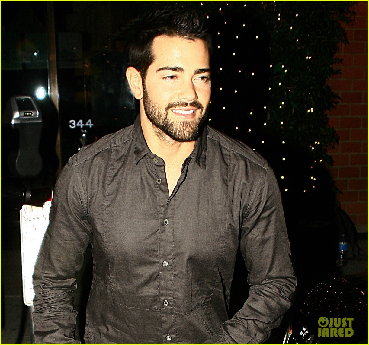 jesse metcalfe cara santana mr chows dinner with the maguires 023022076
