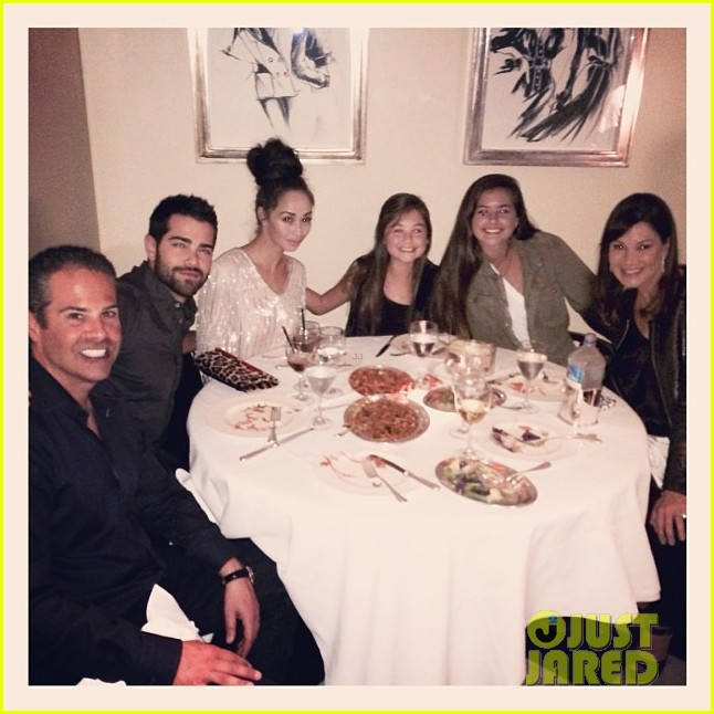 jesse metcalfe cara santana mr chows dinner with the maguires 033022077