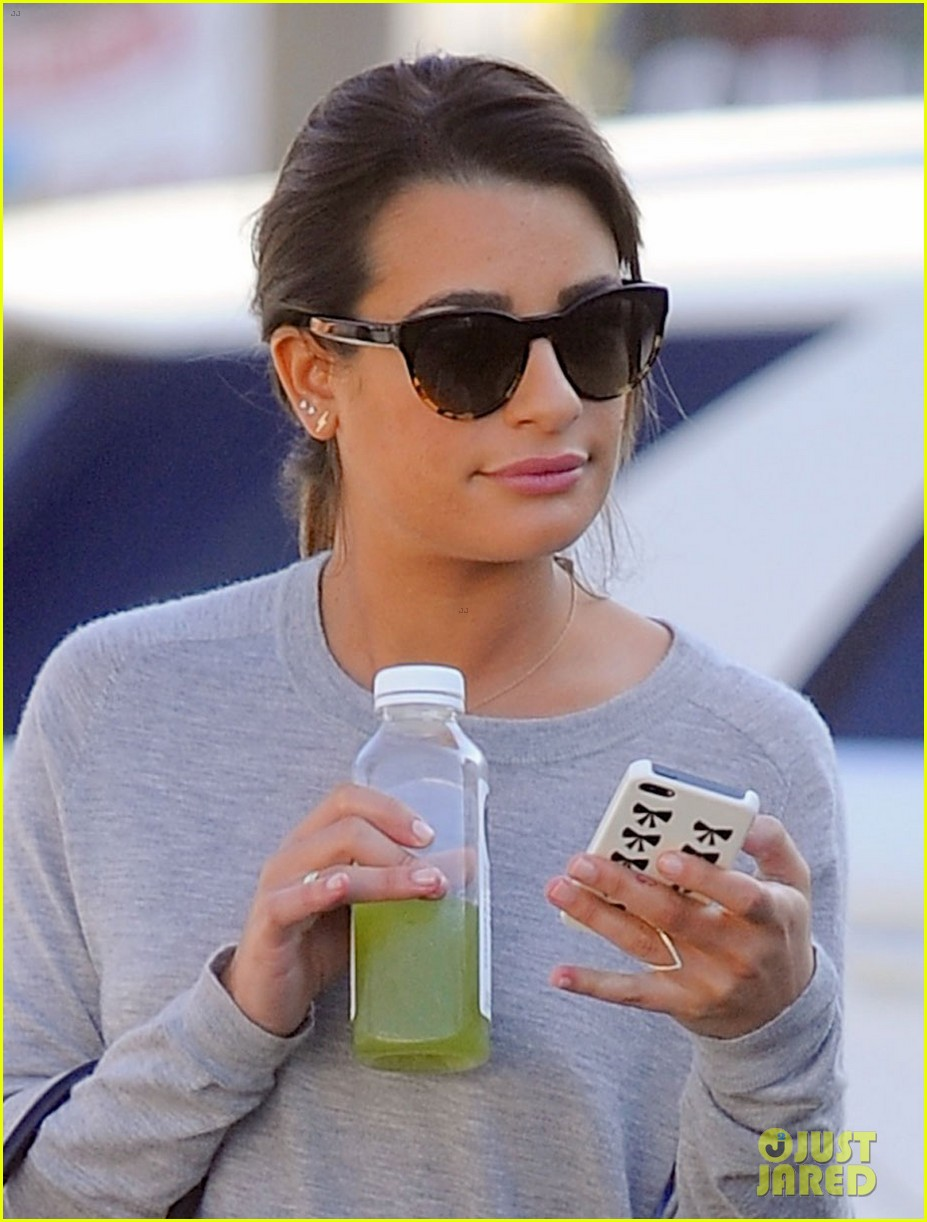 lea michele picks up juice before fun morning on glee 033043755