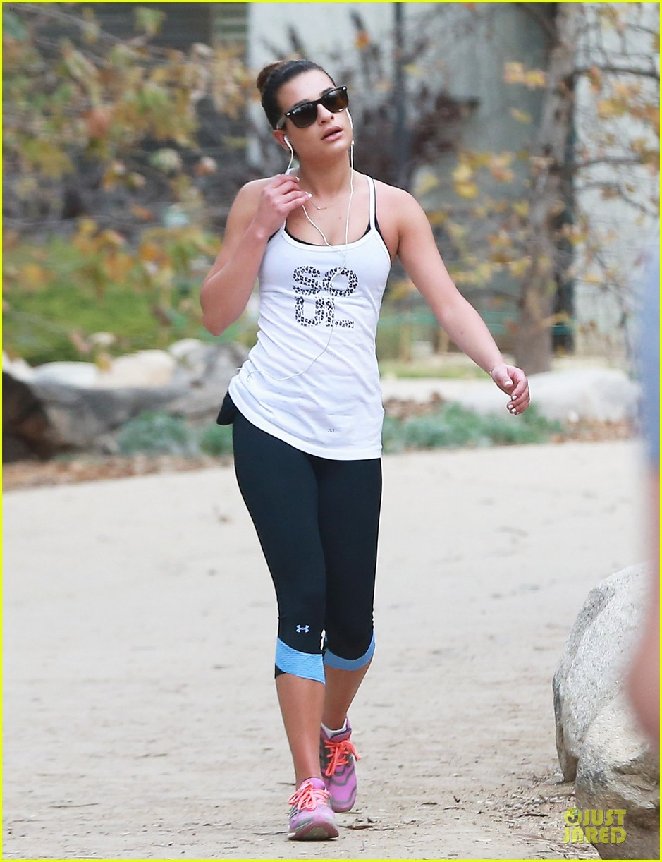 lea michele jogs before glee rehearsal with gwyneth paltrow 123037325