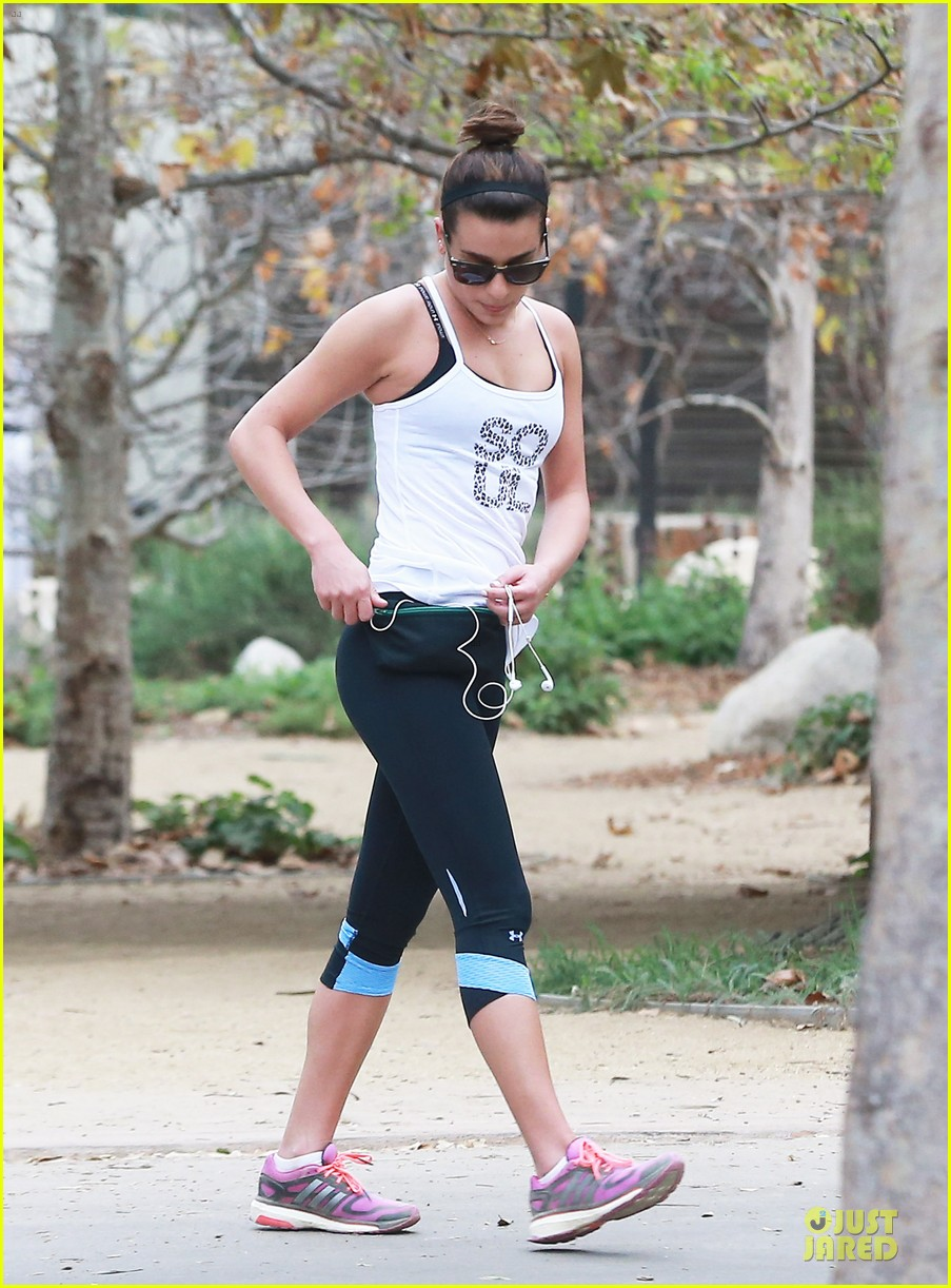 lea michele jogs before glee rehearsal with gwyneth paltrow 133037326