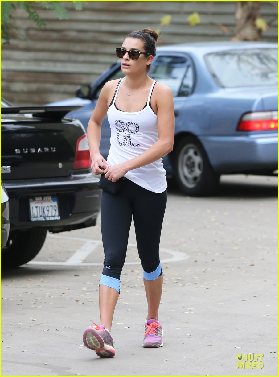 lea michele jogs before glee rehearsal with gwyneth paltrow 233037336