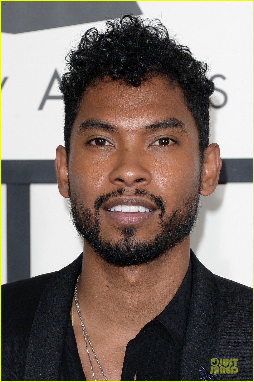 miguel grammys 2014 red carpet 023040999