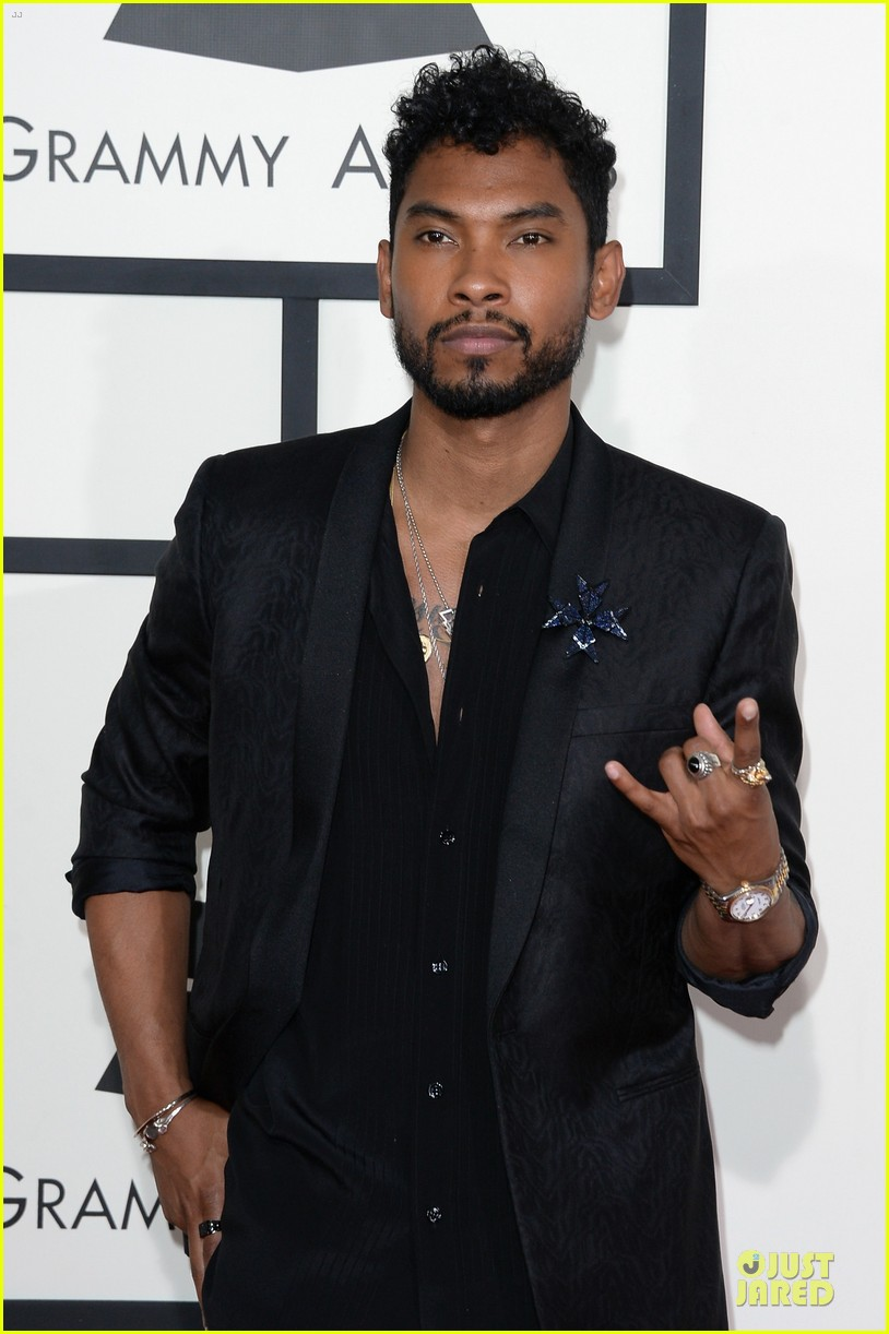 miguel grammys 2014 red carpet 043041001