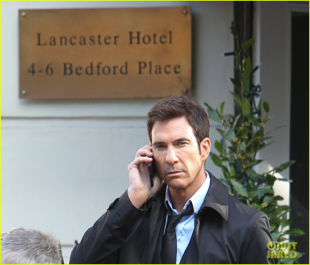 milla jovovich dylan mcdermott film survivor in london 093037187
