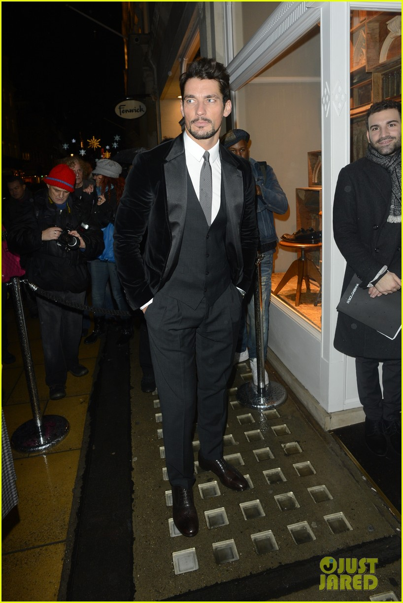 kylie minogue thom evans dolce gabbana london collections 043023546