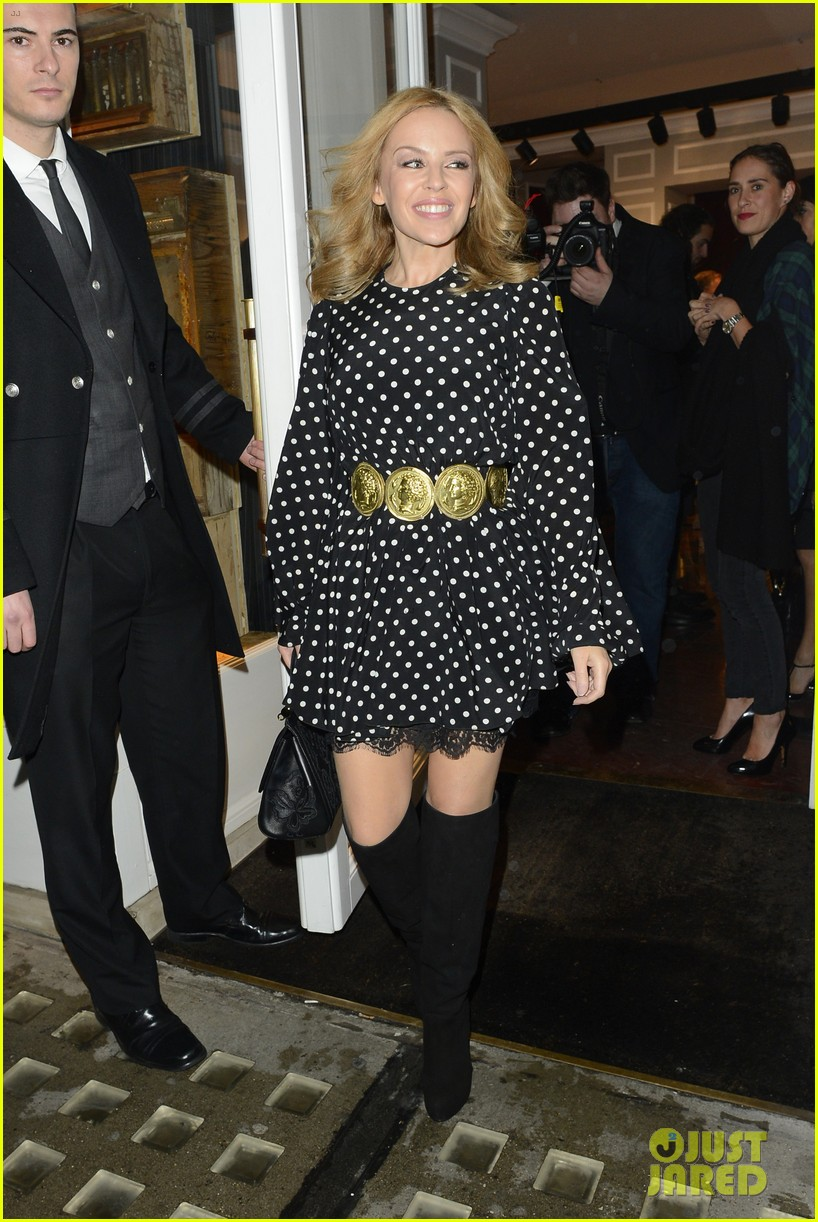 kylie minogue thom evans dolce gabbana london collections 09