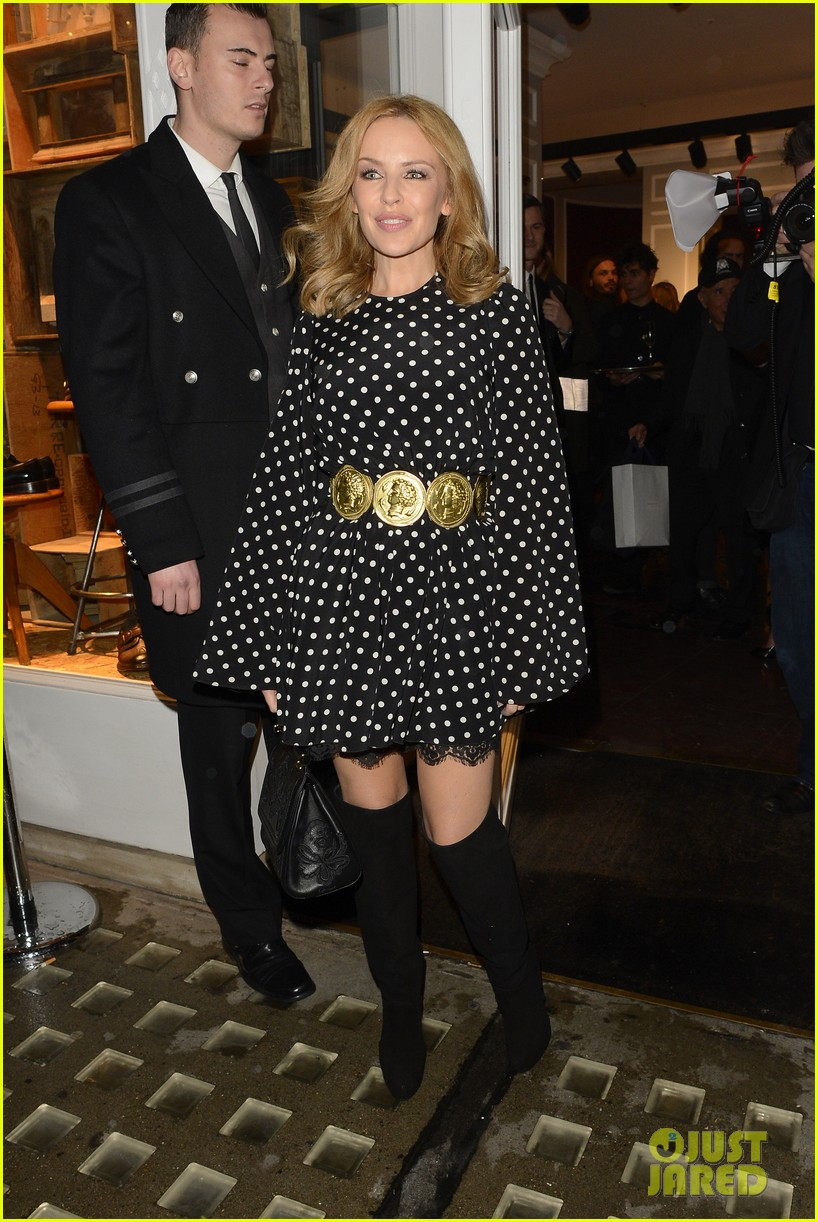kylie minogue thom evans dolce gabbana london collections 12