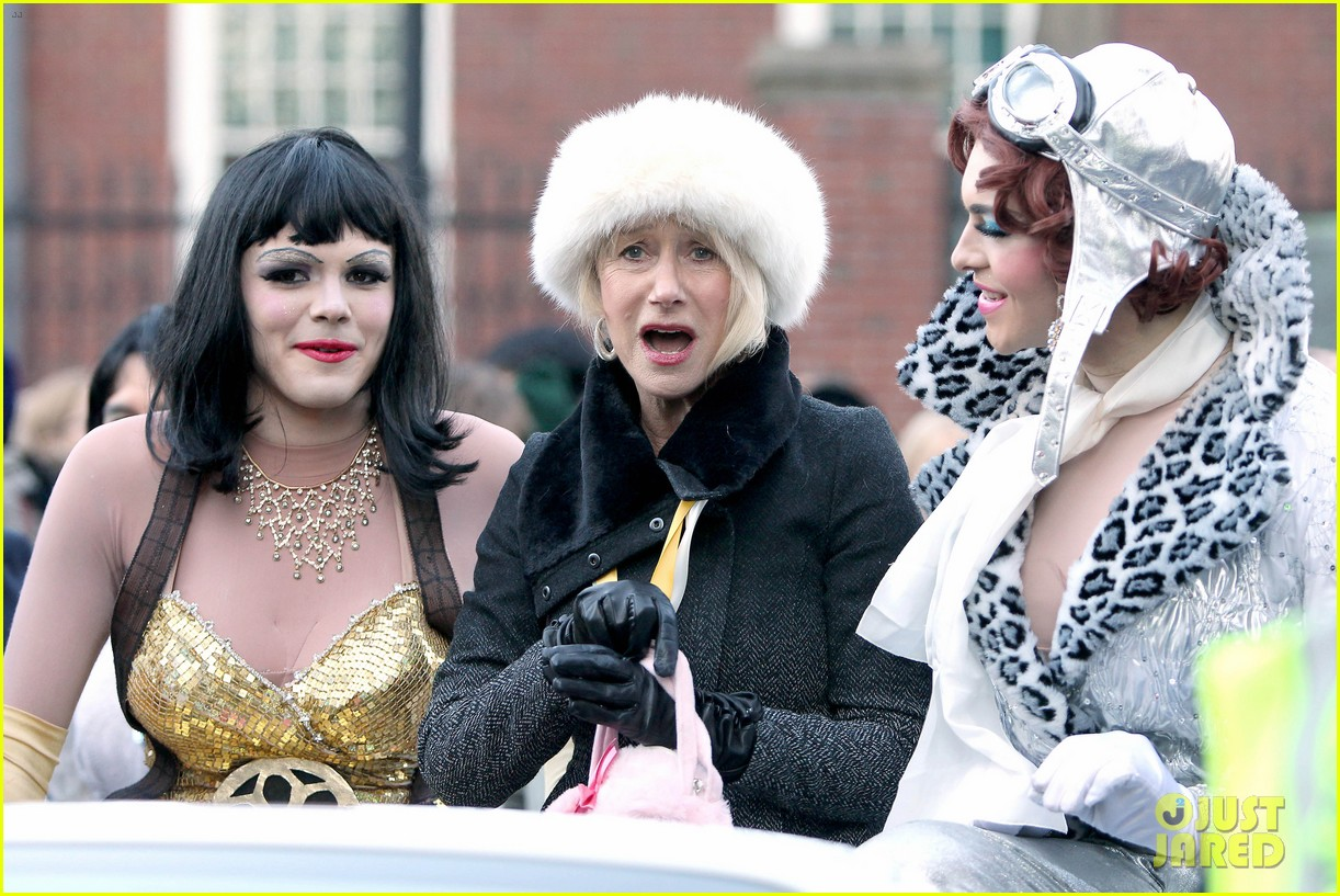 helen mirren twerks hangs with drag queens continues to be one of hollywoods coolest ladies 113044472