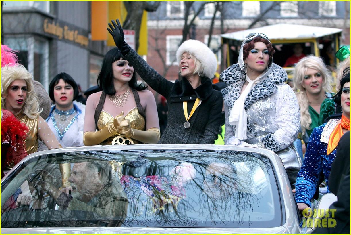 helen mirren twerks hangs with drag queens continues to be one of hollywoods coolest ladies 173044478